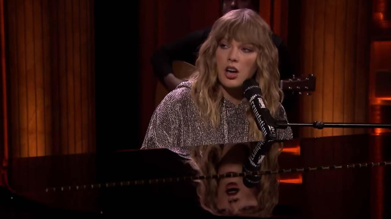 Taylor Swift Makes a Surprise 'Tonight Show' Appearance to ...