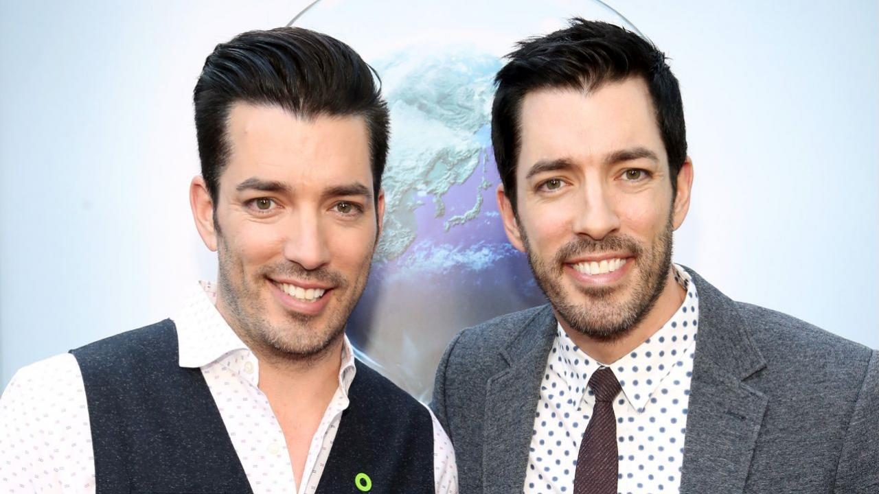 Property Brothers Stars Drew And Jonathan Scott Share Holiday Decorating Tips Tricks Exclusive