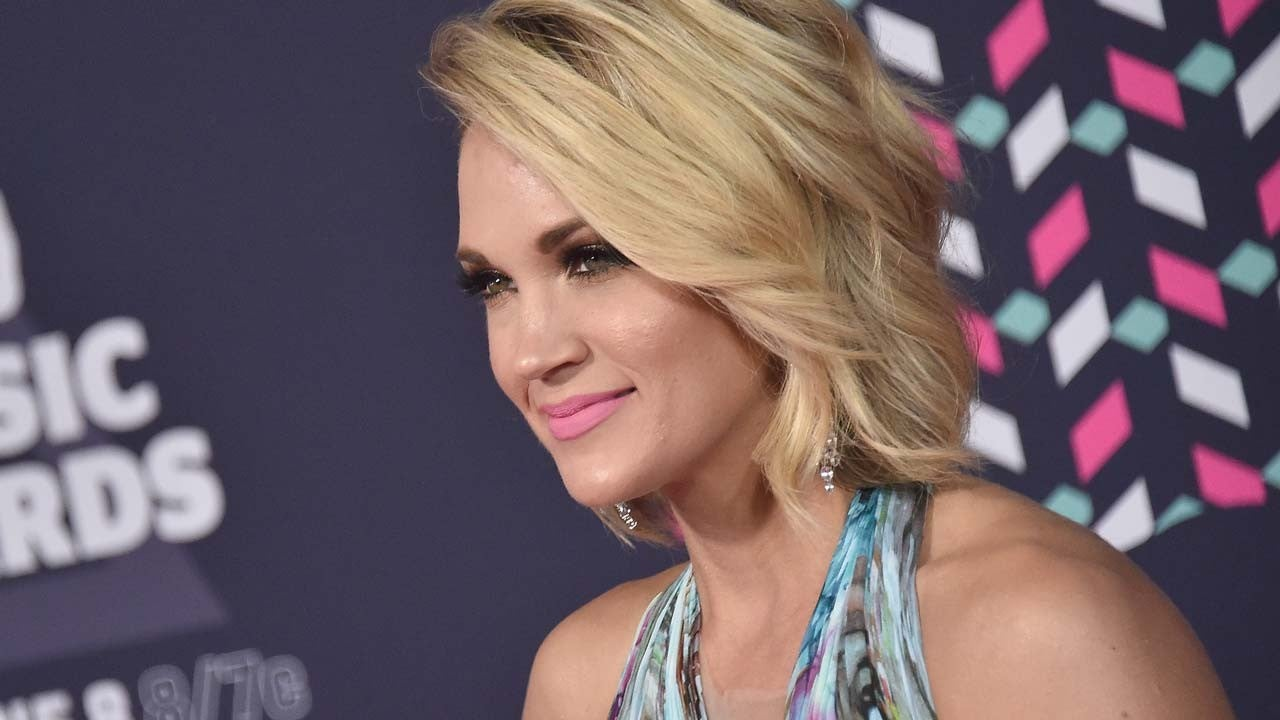 Carrie Underwood Shares First Selfie Of Her Full Face