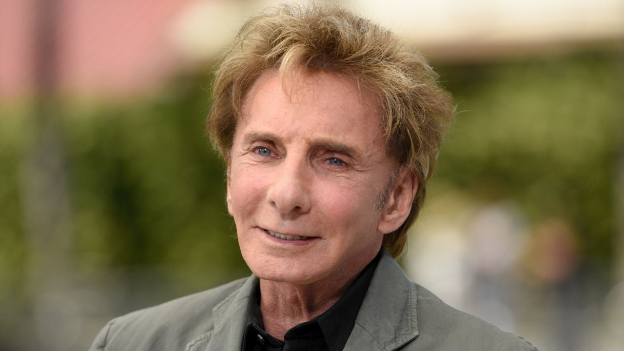 Barry Manilow Hospitalized For Bronchial Infection