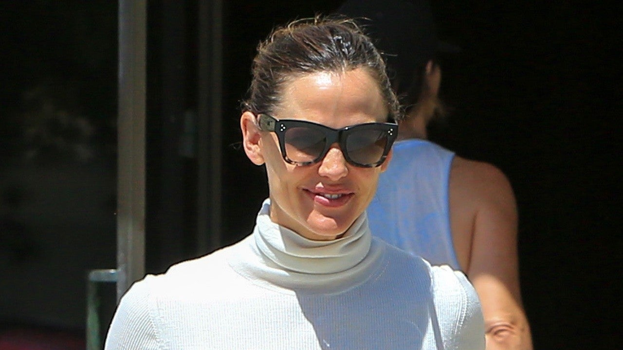 Jennifer Garner's Amazing Church Outfit Makes Us Rethink What Our Sunday Best Can Be!