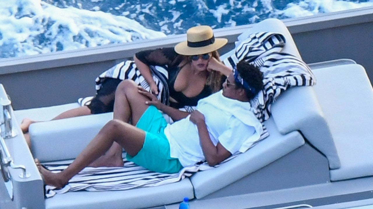 Bikini Clad Beyonce And Jay Z Are Living Their Best Lives On A Yacht In Italy Entertainment Tonight