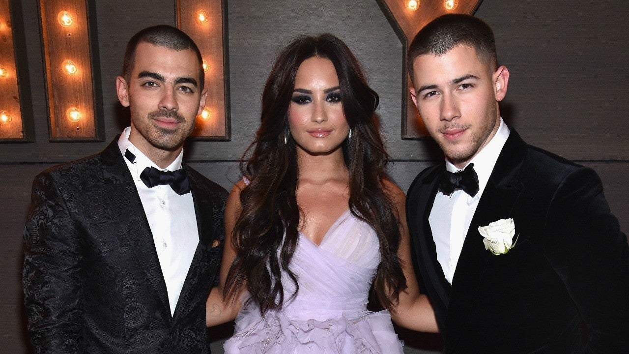 Demi Lovato S Longtime Friends Nick And Joe Jonas Show Support After Her Overdose Entertainment Tonight