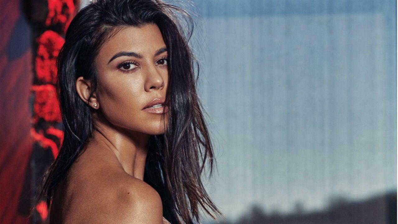 Kourtney Kardashian Strips Down For DuJour Pregnancy