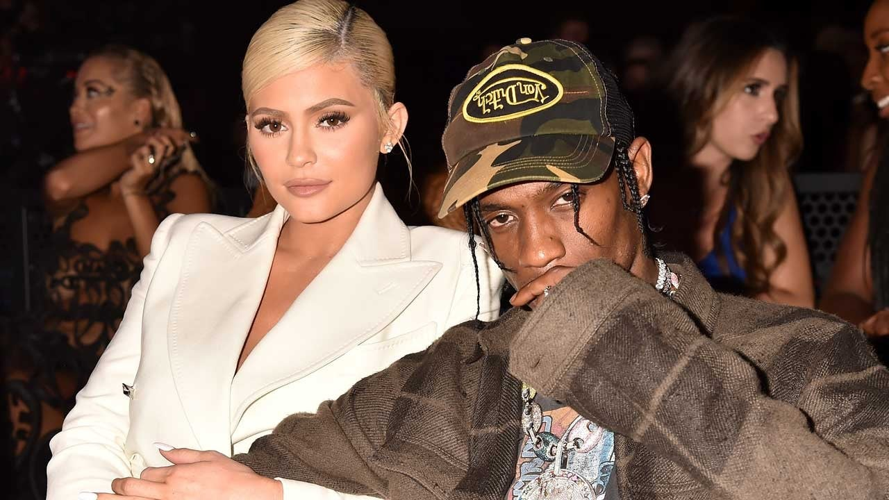Kylie Jenner Joins Travis Scott On His Roller Coaster Stage For Second Night Of Astroworld Tour In New York Entertainment Tonight
