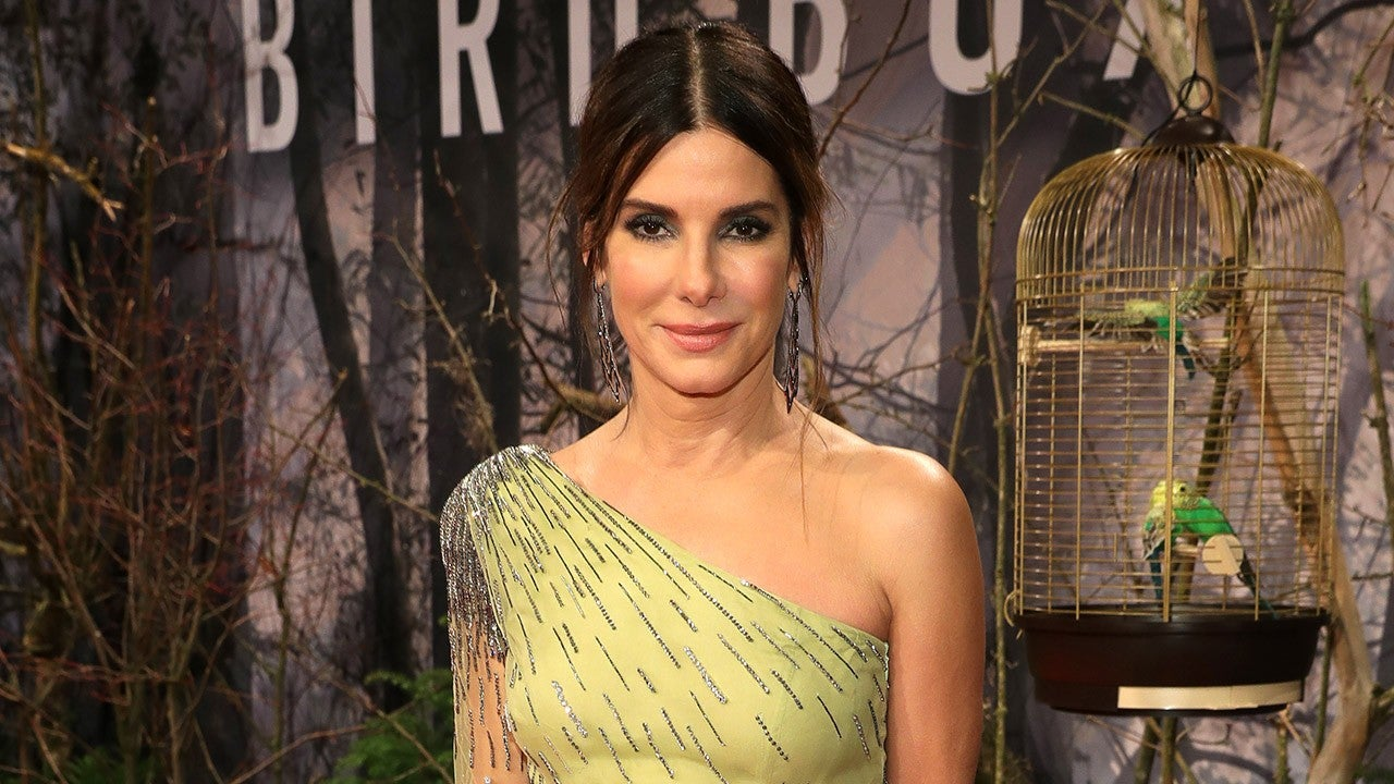 Sandra Bullock Hits Red Carpet in Bewitching Mint Green ...