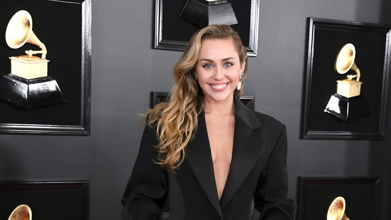 Miley Cyrus Flashes Nipples With Scout Willis, Jokes That