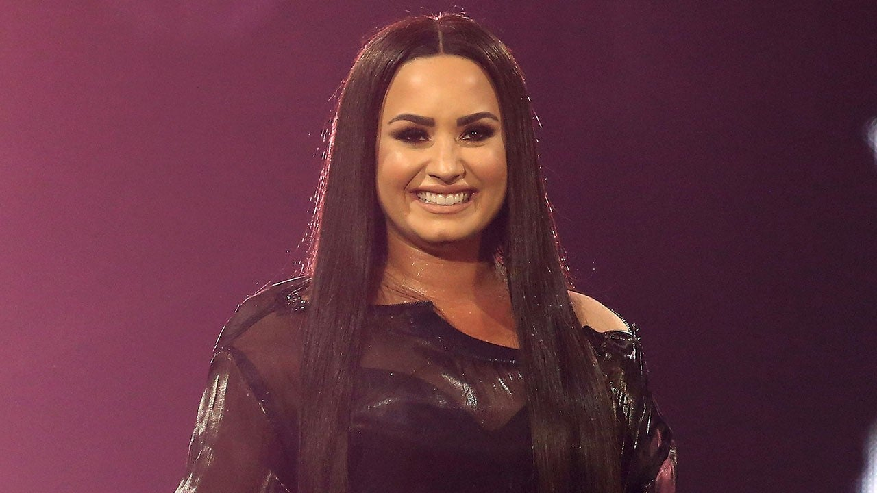 Demi Lovato Brown Hair With Highlights 2019