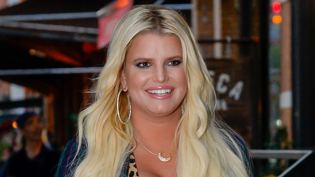a1498242e Jessica Simpson to Address 'Newlyweds' and Split From Nick Lachey in First  Memoir