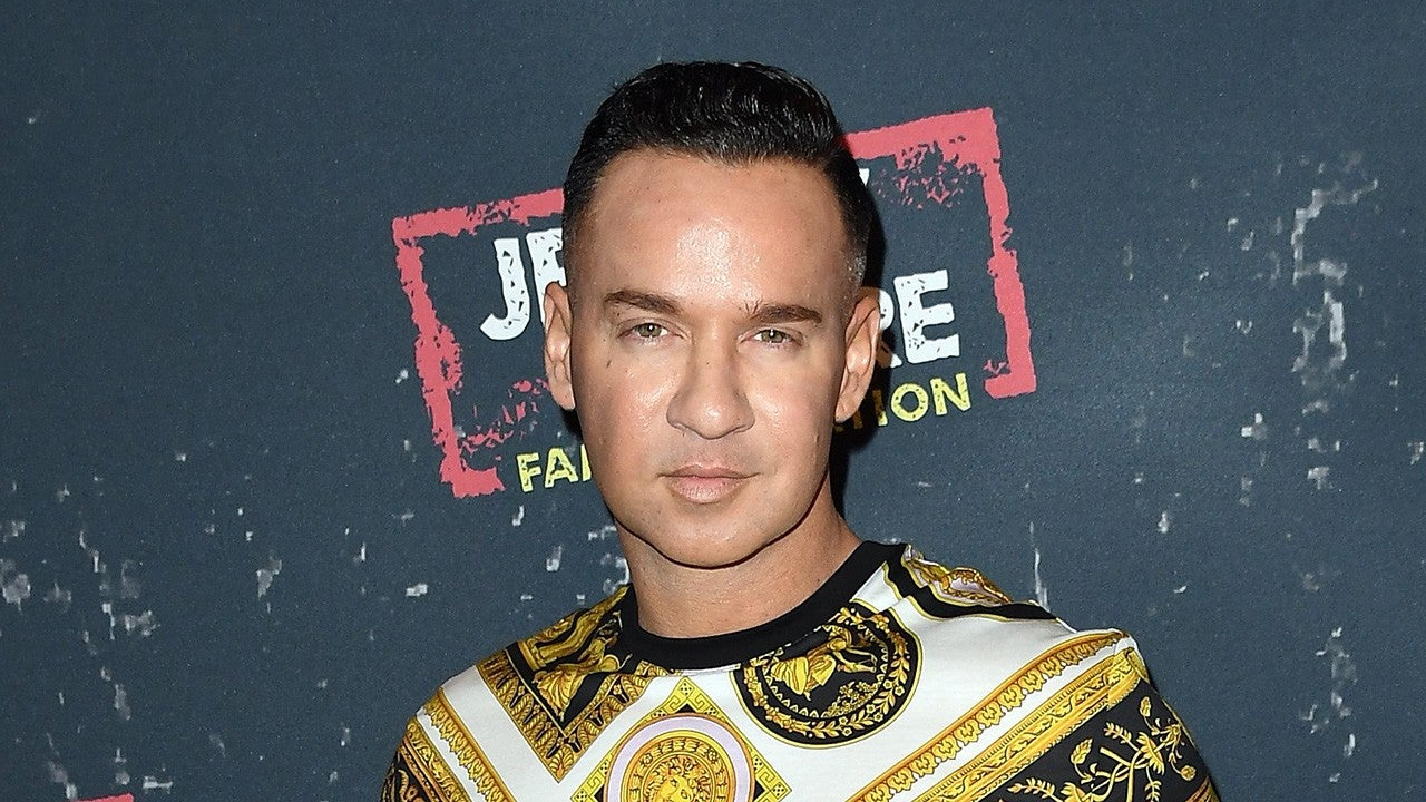 Jersey Shore Family Vacation' Cast Jokes About Smuggling Mike 'The ...