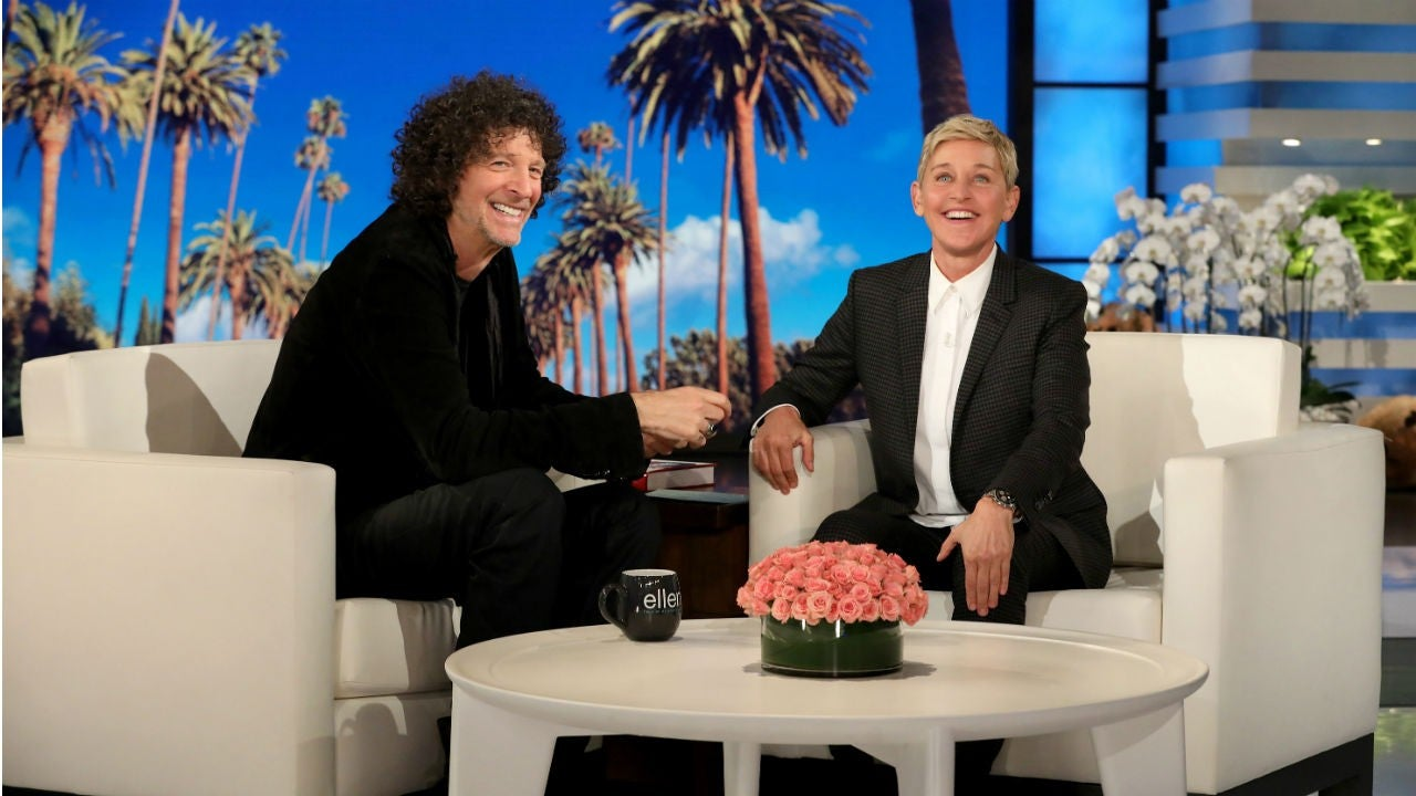 Astounding Howard Stern Gives Ellen Degeneres A Passionate Kiss Before Gamerscity Chair Design For Home Gamerscityorg