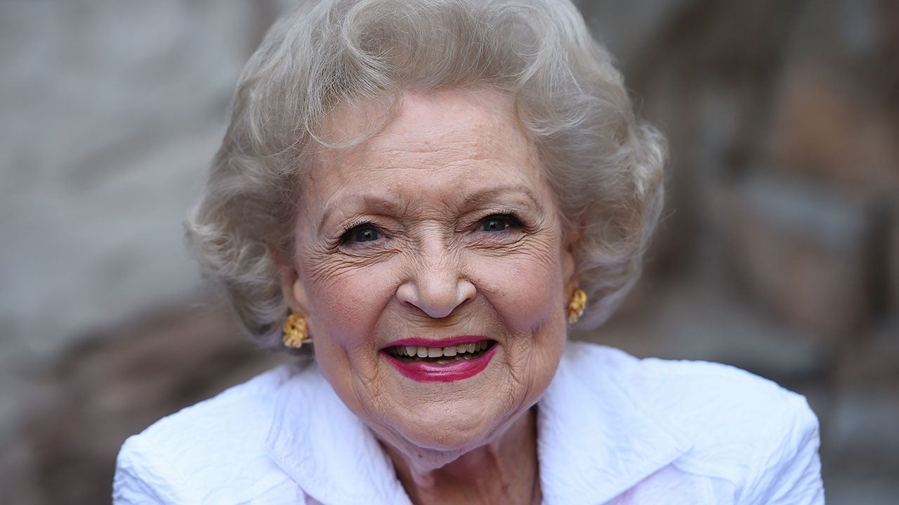 Betty White to Whip Santa Into Shape for New Lifetime Holiday Film