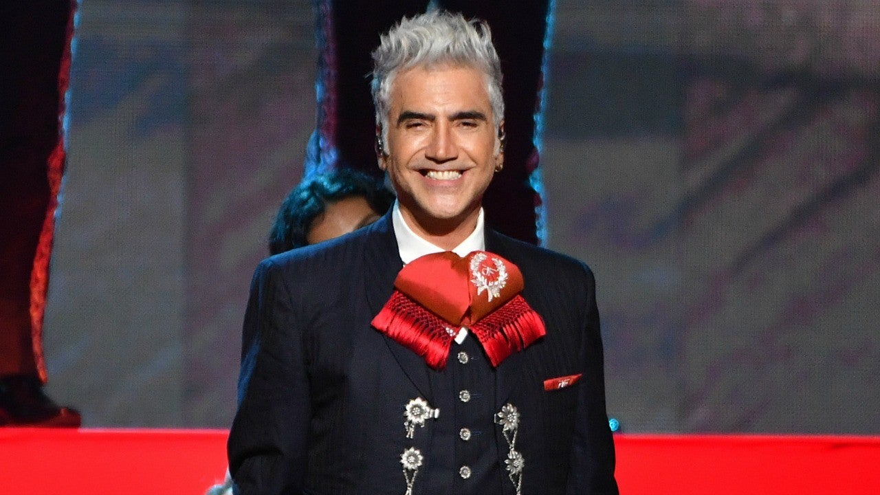 Alejandro Fern U00e1ndez Dedicates Legacy Award To Father