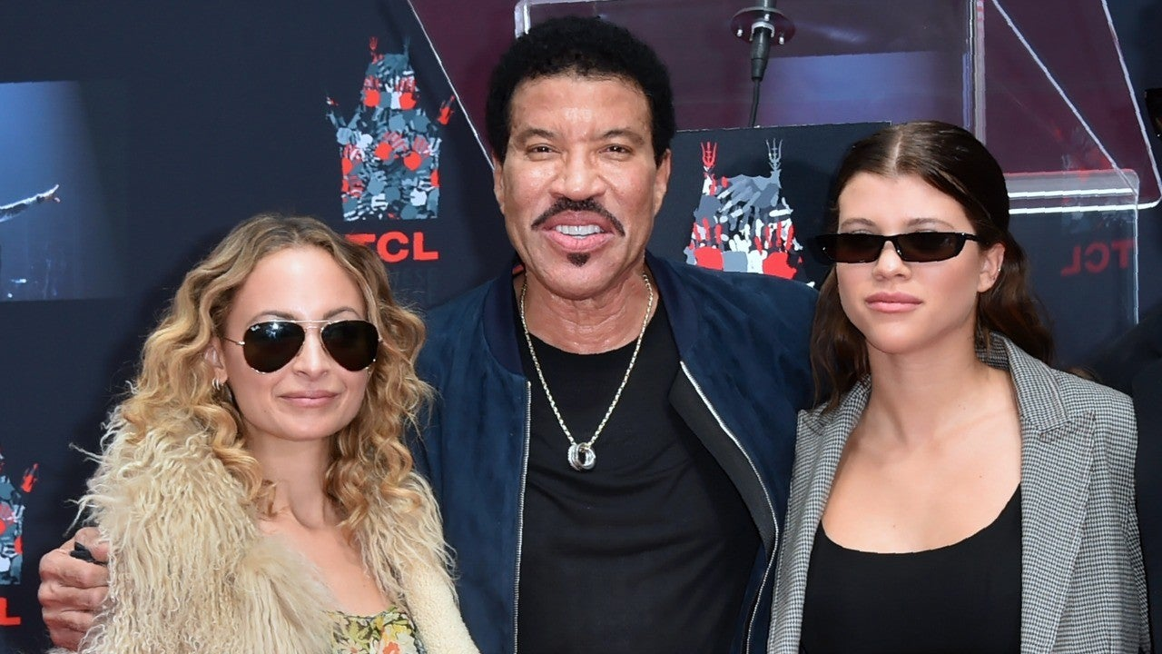 Lionel Richie on the 'Challenge' of Giving Love Advice to Daughters