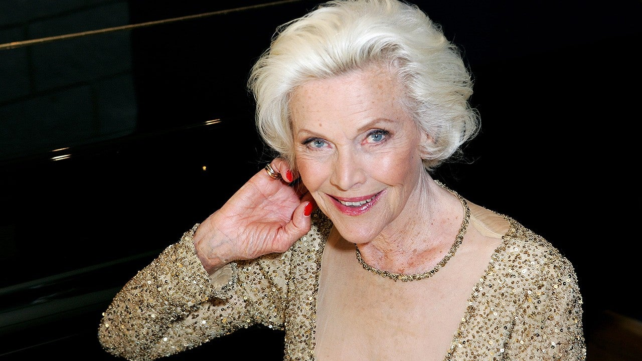 Honor Blackman, Actress and James Bond's Pussy Galore, Dead at 94