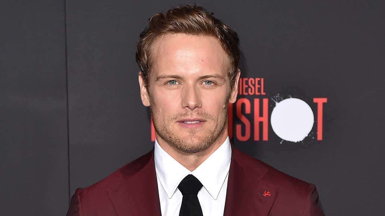 Outlander Cast Supports Sam Heughan After He Gets Candid About Online Abuse Entertainment Tonight