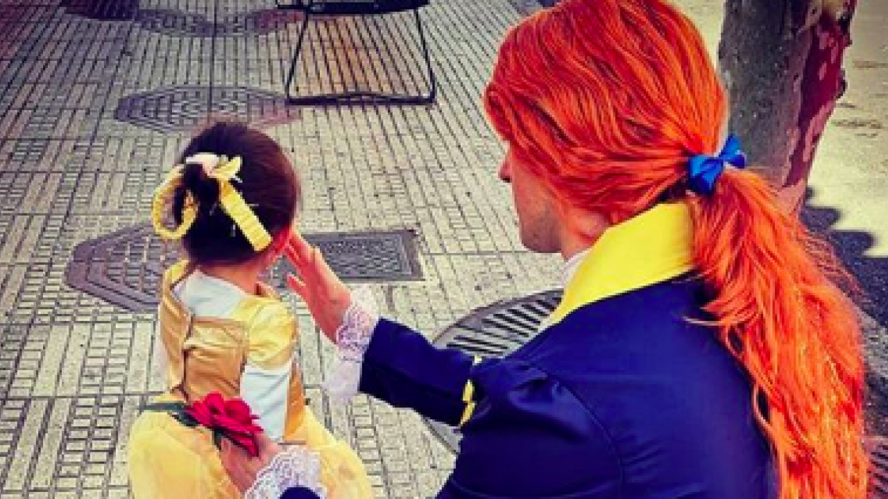Father-Daughter Duo Dresses in Costume Every Day to Take Out the Trash