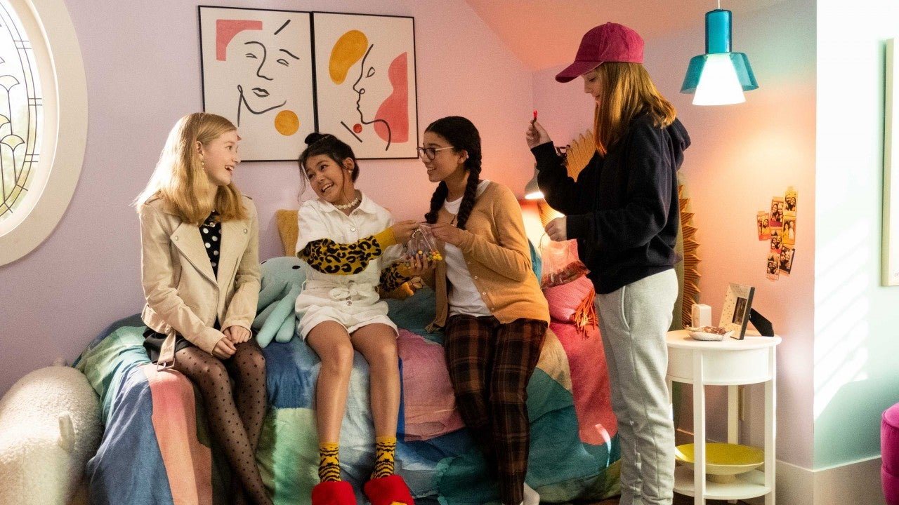 'The Baby-Sitters Club' Fashion: Get the Look