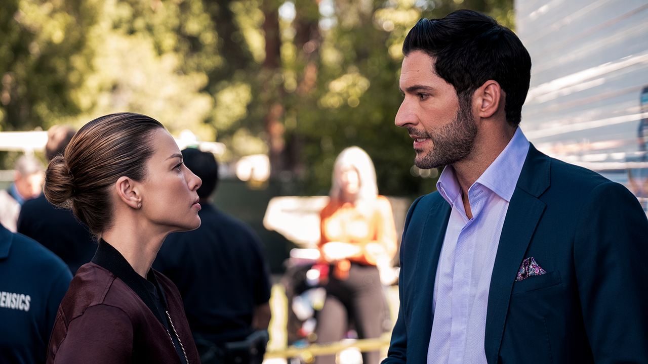 Lucifer Bosses On Season 5a Finale Showdown God S Arrival And Deckerstar S Future Exclusive Entertainment Tonight