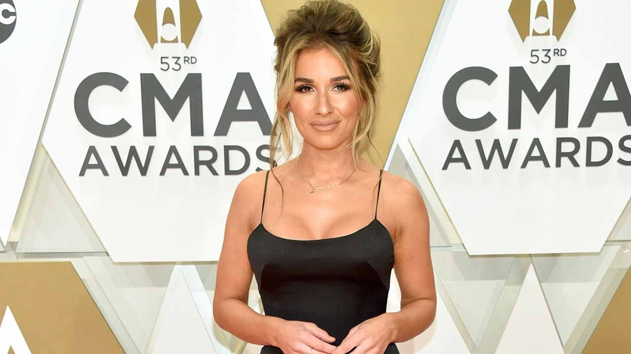 Jessie James Decker Dishes on New Music and Her First Cookbook!