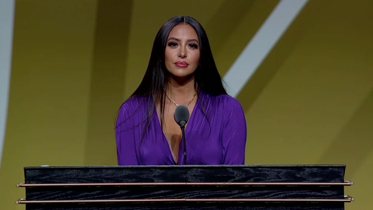 Vanessa Bryant Gets Emotional at Basketball Hall of Fame Ceremony