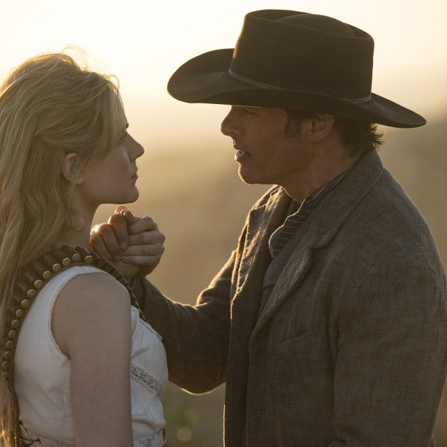 westworld_dolores_teddy_hbo