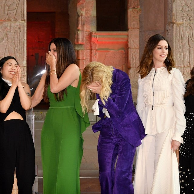Sarah Paulson, Awkwafina, Sandra Bullock, Cate Blanchett, Anne Hathaway and Mindy Kaling attend the 'Ocean's 8' worldwide photo call at The Metropolitan Museum of Art on May 22, 2018 in New York City.