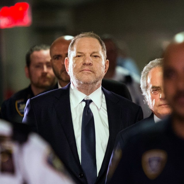 Harvey Weinstein enters Manhattan criminal court
