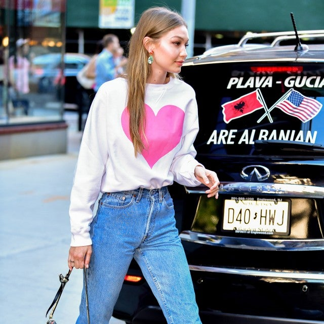 Gigi Hadid jean outfit