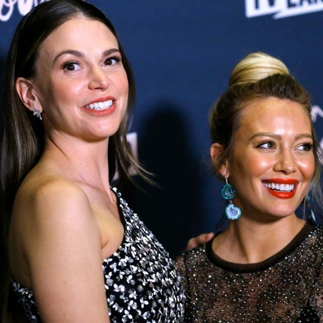 'Younger' co-stars Sutton Foster and Hilary Duff