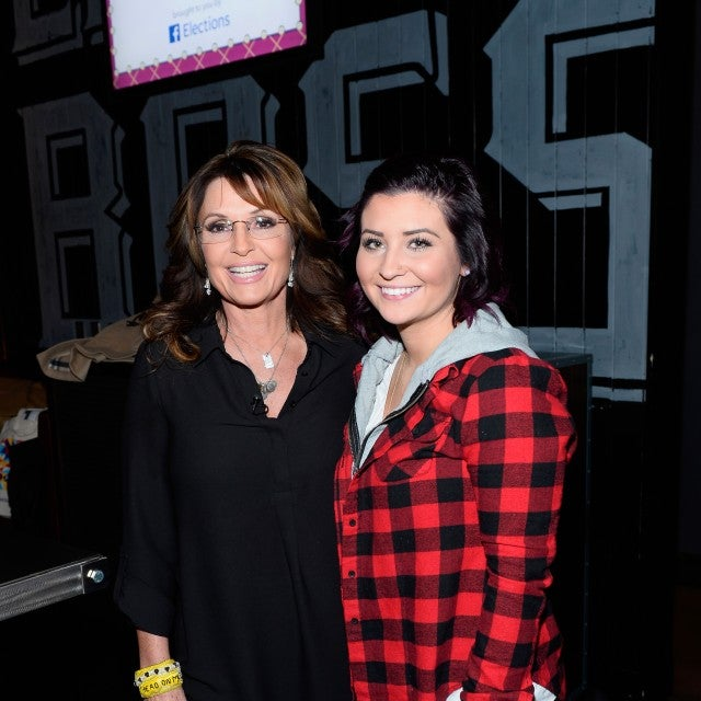 Former Alaska Gov. Sarah Palin and her daughter Willow Palin attend CNN Politics On Tap at Double Barrel Roadhouse at the Monte Carlo Resort and Casino on December 14, 2015 in Las Vegas, Nevada.