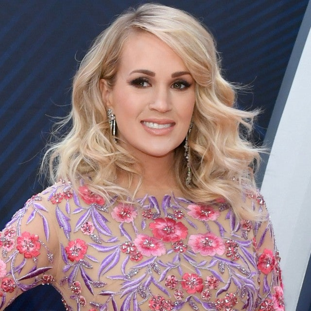 carrie underwood 2018 cma awards