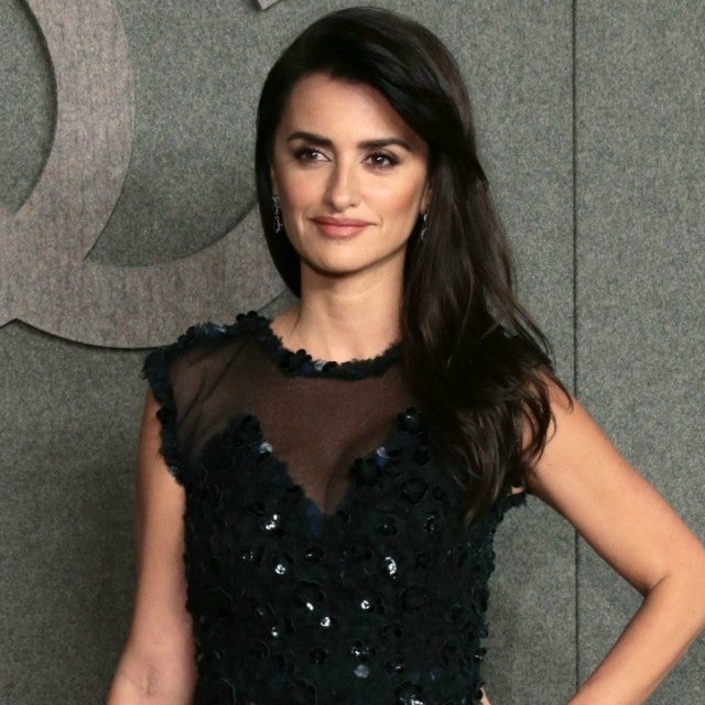 Penelope Cruz Chanel Fashion Show