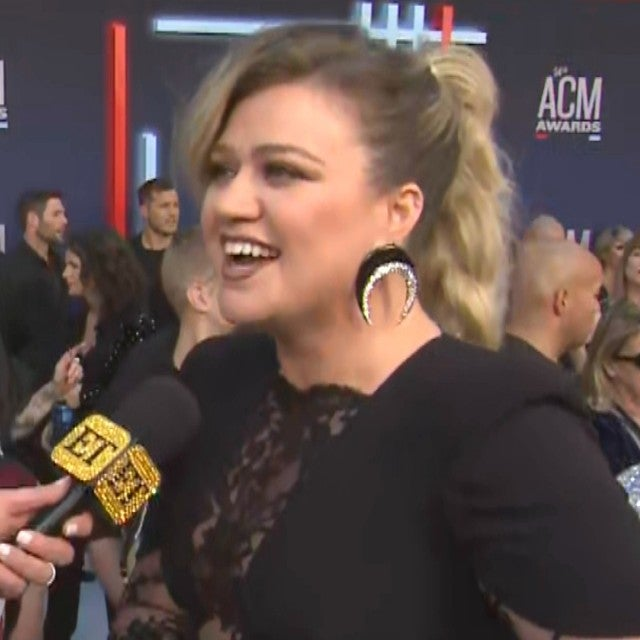 Kelly Clarkson Says She Wants to Introduce Steve Carell and 'Yell His Name' on New Talk Show