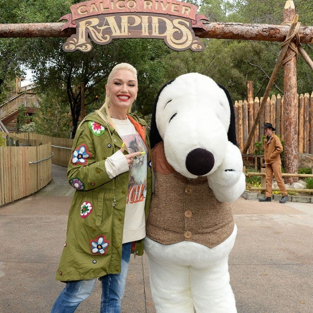 Gwen Stefani with snoopy at knotts berry farm