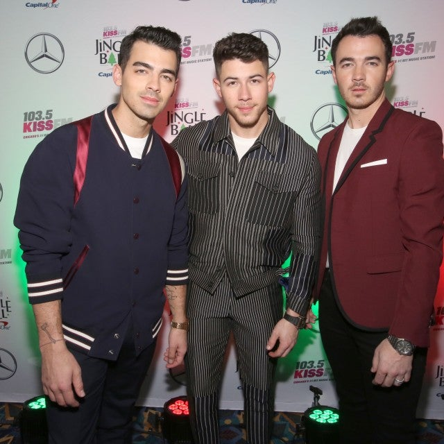 Joe, Nick and Kevin Jonas perform in chicago