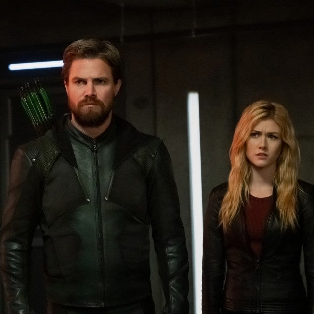 stephen amell kat mcnamara arrow crisis on infinite earths crossover