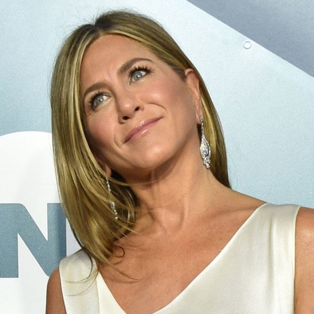 jennifer aniston at 2020 sag awards