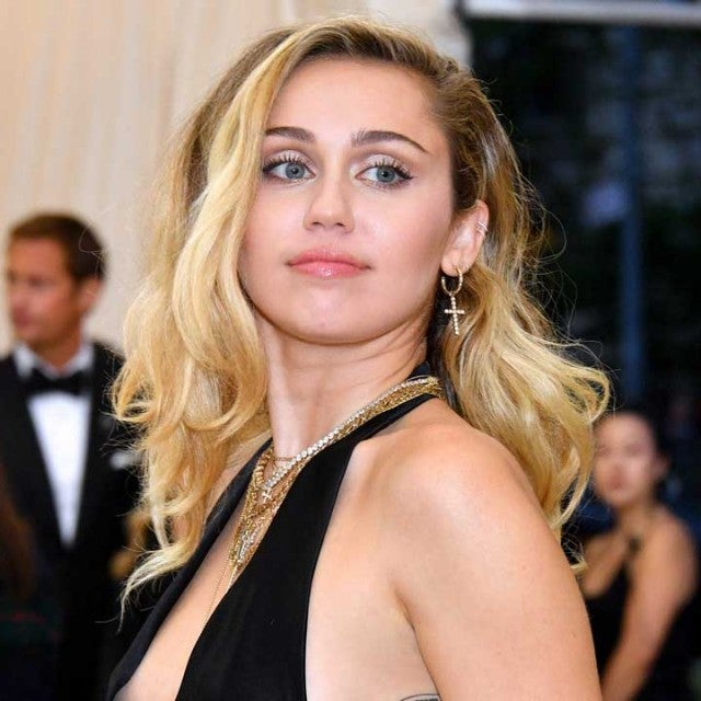 miley cyrus at 2018 met gala