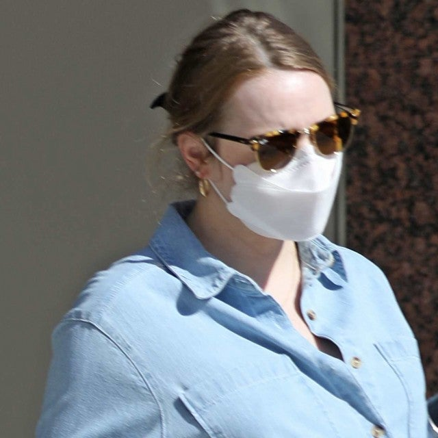 Emma Stone Errands Los Angeles