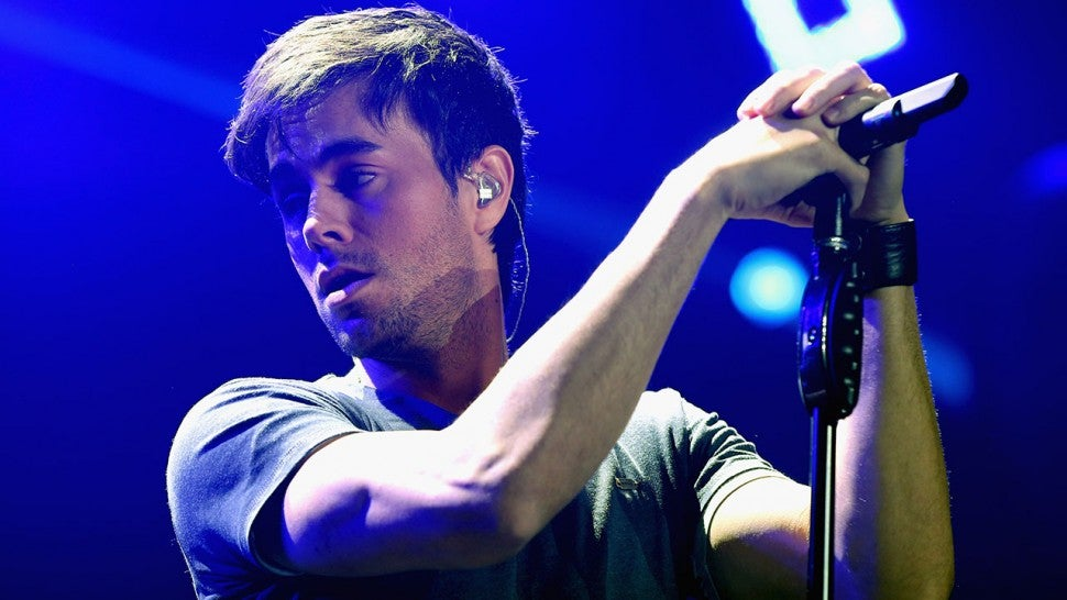 Enrique Iglesias, Anna Kournikova share photos of newborn twins