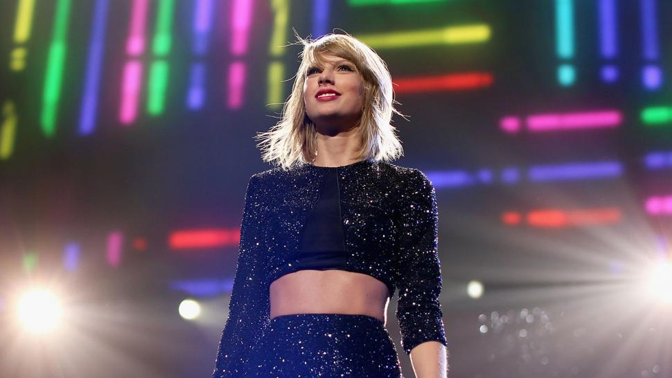 c7cfa43acd1e84 See Taylor Swift s Zombie Transformation for  Look What You Made Me Do   Music Video