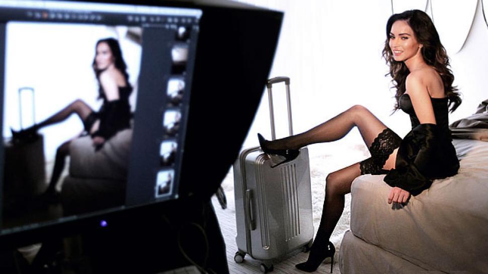 Megan Fox Gets Super-S...
