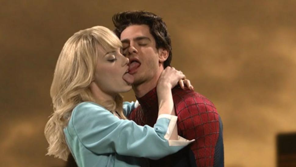 Kissing both naoh and girl dating in real life