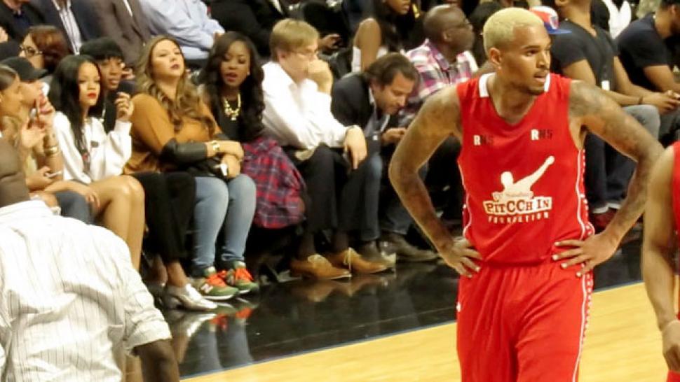 Rihanna Rocks Buffalo With First Tour Concert - Directlyrics