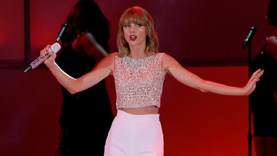 Taylor Swift Said Shed Have A Meltdown If 1989 Leaked And It Did