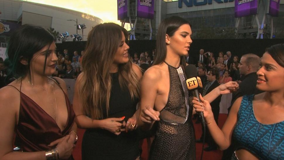 Kim Kardashian S Sisters Weigh In On Her Full Frontal