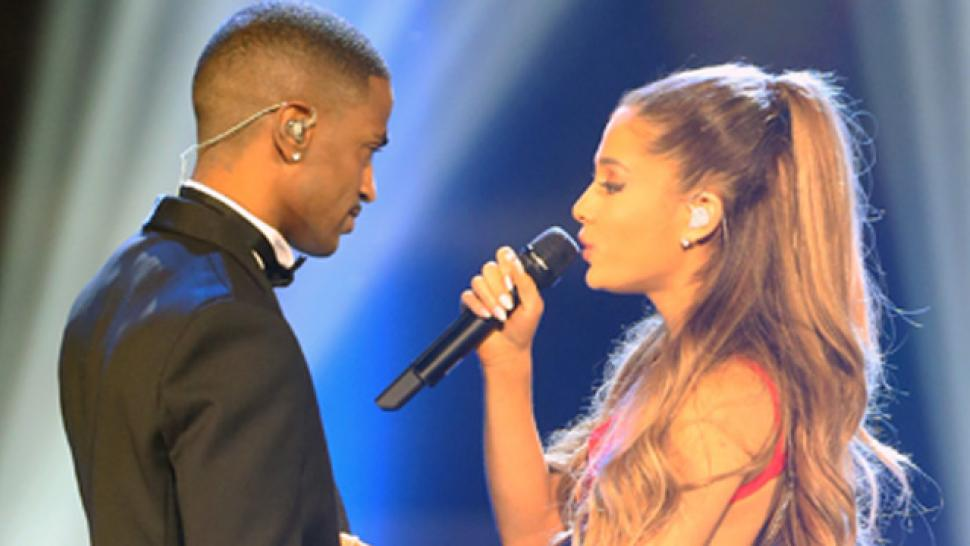 Ariana Grande Christmas.Ariana Grande S New Christmas Song How It Compares To