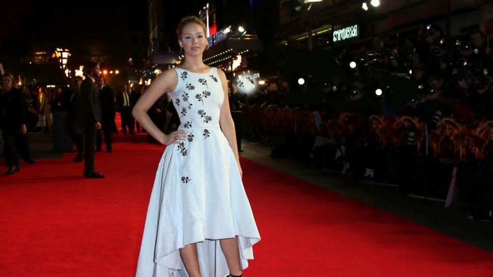 Jennifer Lawrence Kicks Off the \'Hunger Games: Mockingjay\' Tour In ...