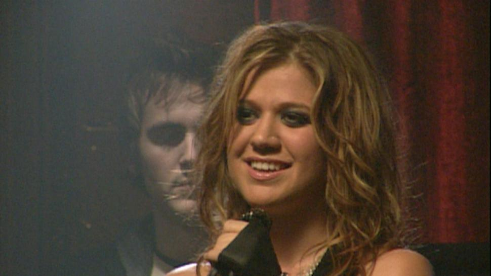 Flashback: 10 Years Ago, Kelly Clarkson Rocked Out On ...